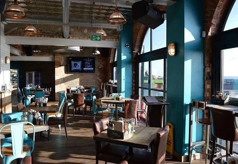 Porterhouse Bar & Grill, Gorleston – Service Lift